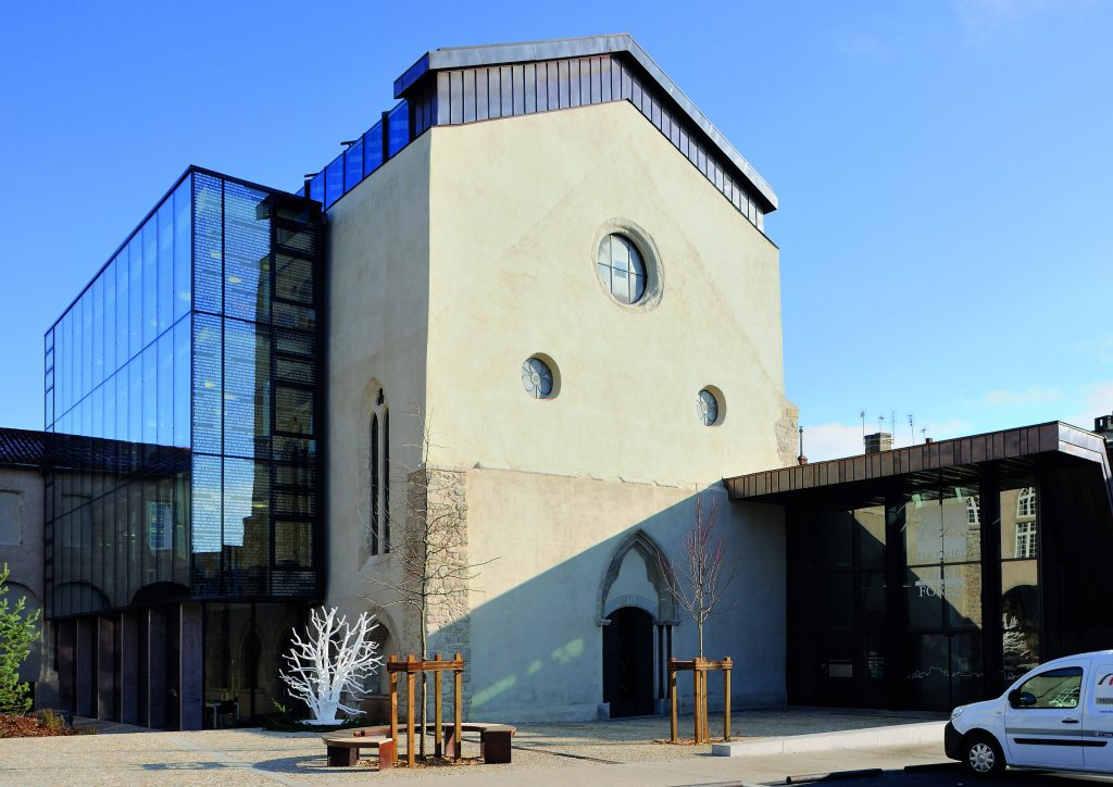 http://www.rivat-architecte.fr/wp-content/uploads/2017/03/BOOK-mediatheque17.03.0611-1024x724.jpg