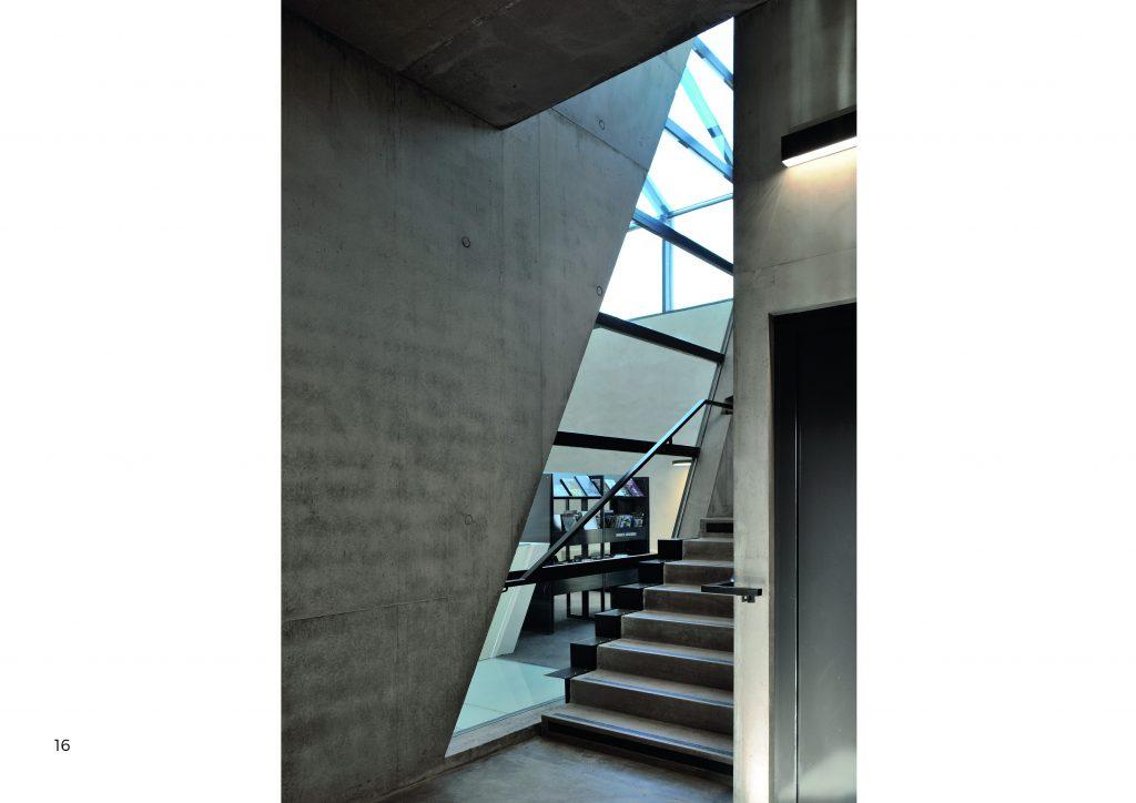 http://www.rivat-architecte.fr/wp-content/uploads/2017/03/BOOK-mediatheque17.03.0616-1024x724.jpg