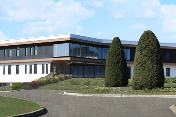 ARTIC façade ouest avec bande lumineuse