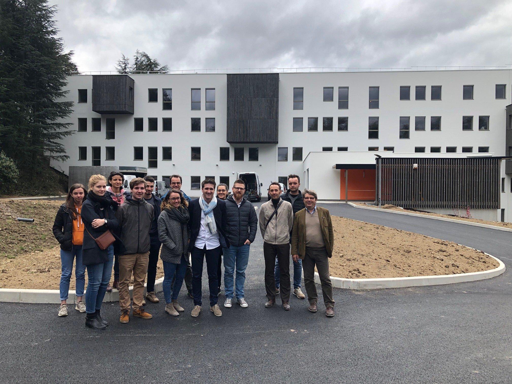 Visite de chantier avec une partie de l'agence sur notre rénovation énergétique Passivhaus du batiment 22 Rue paul petit